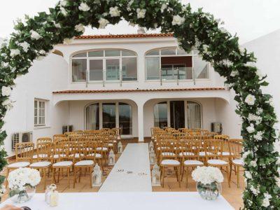 En vackert dekorerad bröllopsplats för din bröllopsceremoni i Algarve Portugal, Bröllopspaket i Portugal med Casa Monte Cristo Collection