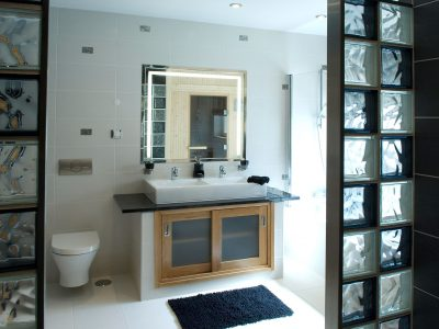 A Luxury bathroom at Villa Monte Cristo Too, Lagos, Algarve, Portugal