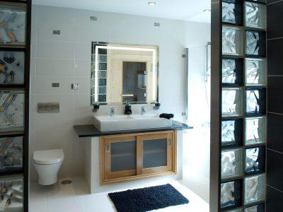 Ett lyxigt badrum på Villa Monte Cristo Too, Lagos, Algarve, Portugal