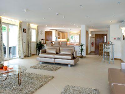 Ampla área lounge na Villa Monte Cristo Too, Lagos, Algarve, Portugal