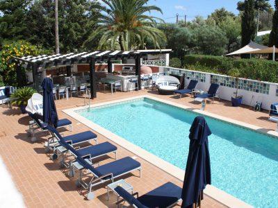 Ser ner på poolen, Algarve lägenheter nära Lagos, Algarve Portugal - Casa Monte Cristo Collection