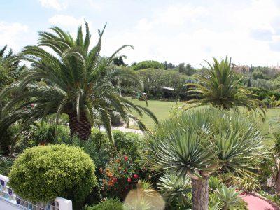 Trädgårdar för lyxiga Casa Monte Cristo lägenheter, Praia de Luz, Algarve Portugal