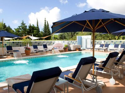 Sunbathing and swimming in luxury at Casa Monte Cristo apartments, Lagos, Algarve, Portugal