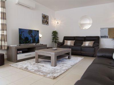 Lagos Algarve villa, lounge med stor TV på Villa Casa Monte Cristo IV, Portugal